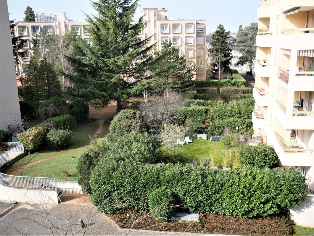 cuire T3 jardin intérieur